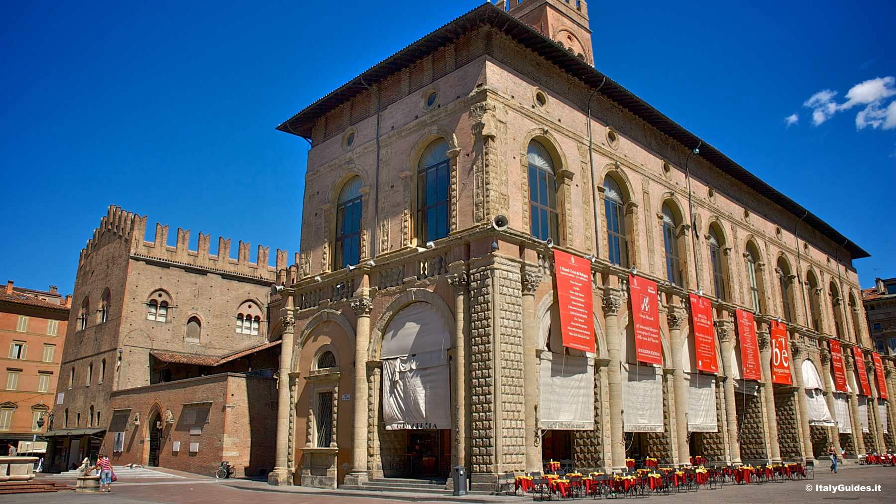 Pictures of bologna photo gallery and movies of bologna for Hotel dei commercianti bologna
