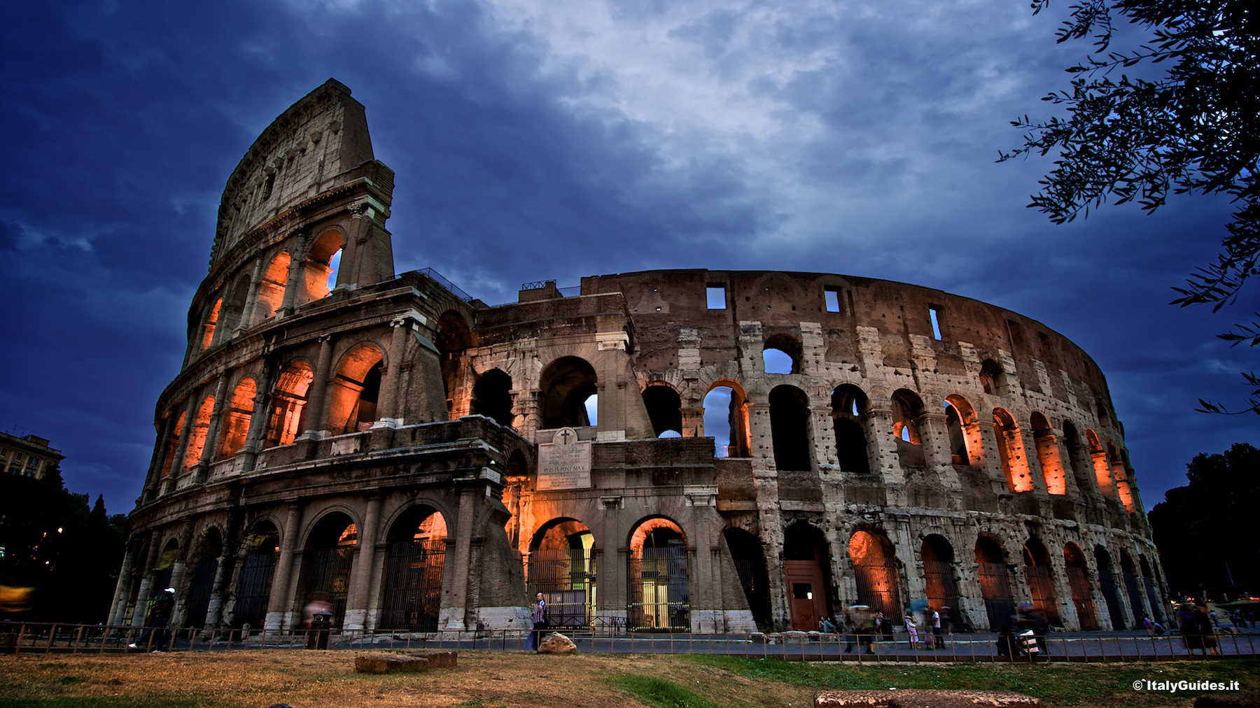 Pictures Of Roman Colosseum, Photo Gallery And Movies Of