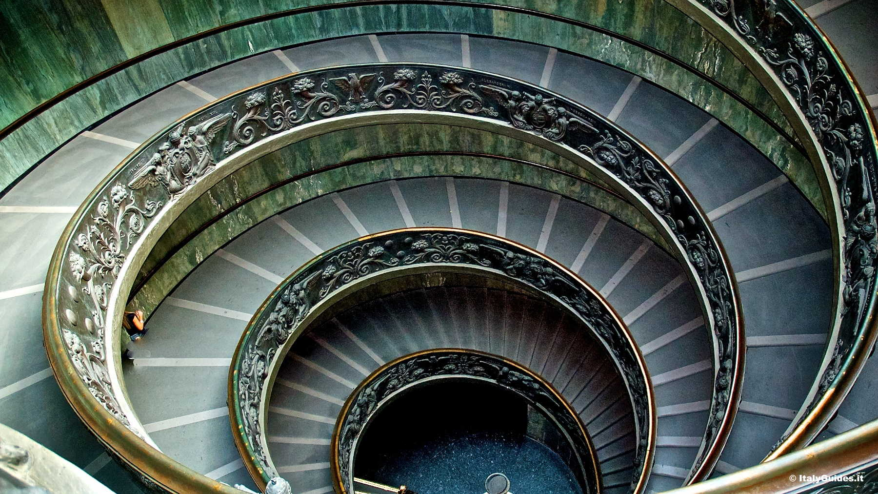 Pictures Of The Vatican Museums Rome Italy Italyguides It